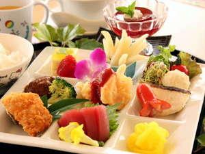 【夕食】幼児様用のお子様ランチ(一例)