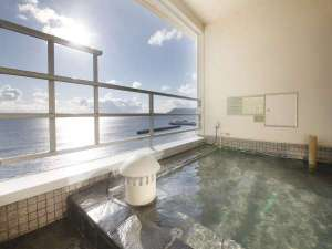 【海側客室露天風呂】 岩風呂タイプ