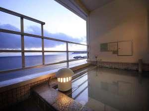 【海側客室露天風呂】 好きな時に源泉100%の温泉を楽しむ贅沢