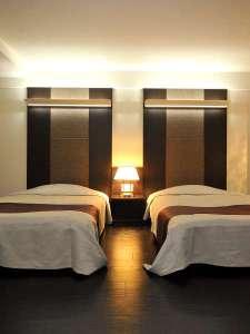 【函館山側露天風呂付和洋室】 モダンなデザインの和洋室
