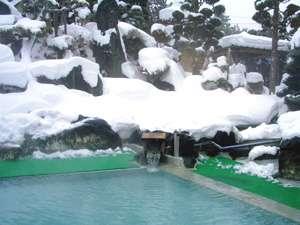 *【庭園露天風呂(冬)】冬の醍醐味!雪見露天にうっとり♪