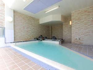 *温泉大浴場(女性)/源泉掛け流し温泉で1日の疲れも癒されますよ。