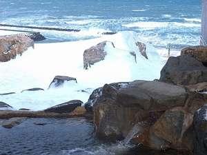 ◆冬の日本海を望む絶景露天風呂
