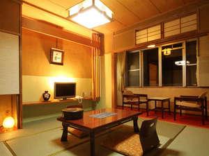 *【本館和室】7~9畳の独特な和の空間。