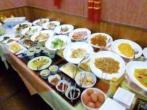 朝食バイキング●朝食会場 1階フロント裏『北京飯店』7:00~9:00