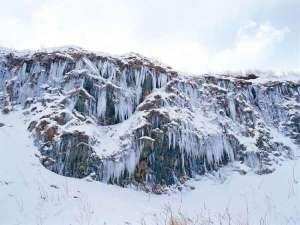 深浦千畳敷の氷柱