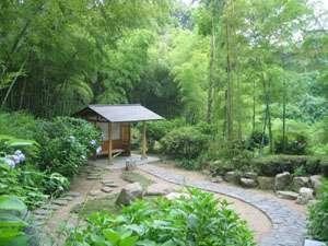 *豊かな緑が広がる、あじさいの里。美しい四季の魅力をお楽しみ下さい!