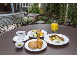 アイビーガーデンにて朝食