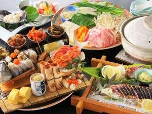 【皿鉢料理イメージ】メニューを一新し土佐の食を大皿に詰め込んだ皿鉢料理が出来ました