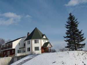*冬の風景/どこまでも続く雪原の風景に囲まれて静かな時間を過ごせます。