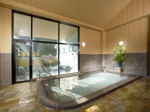 川見の湯・女性大浴場・内風呂 開放感たっぷりです