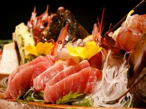 【夕食】全てのプランに新鮮な舟盛付き(2名より)