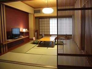 和モダン西館【和室16畳】広々とした畳の間でお寛ぎください。
