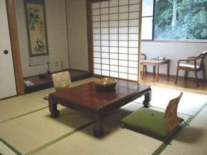 高田川を望む新館和室