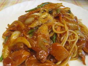 夕食のパスタの一例。