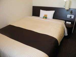 【コンフォートシングル】ベッドサイズ140×196(cm)ワンランク上のお部屋です。