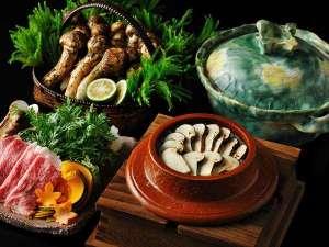 【秋の特別会席】松茸と和牛のしゃぶしゃぶを、牛すじベースの合わせ出汁スープでいただくカルデラ鍋