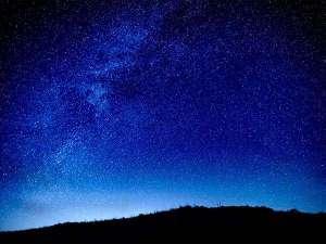 【星空】阿蘇くじゅう国立公園は、標高1,000mのまさに天空の地。ここから眺める星空は格別です