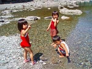 夏は川遊びも◎