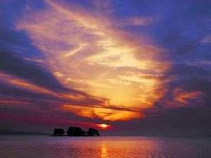 """宍道湖の夕日は、松江の""""心に残る風景""""のひとつです。"""