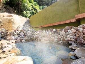 【露天風呂】亀川温泉:ナトリウム-塩化物・硫酸塩泉