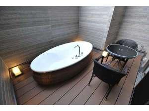 スイートルーム限定露天風呂