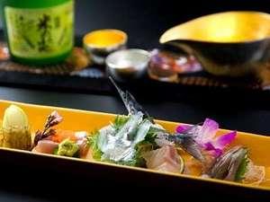 美味しいお造りと日本酒(能作・のうさく)