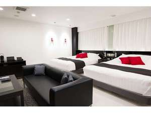 【グランスイート】160cm幅ベッドが2台、4名様までご利用可能。贅沢な空間を満喫できる!