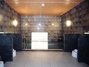 広々とした大浴場で、旅の疲れをお癒しくださいませ♪