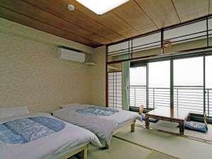 【客室】和室8畳~10畳タイプの客室は全室洞爺湖側眺望確約!