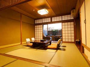 和室一例!お部屋にはウォシュレットございます。