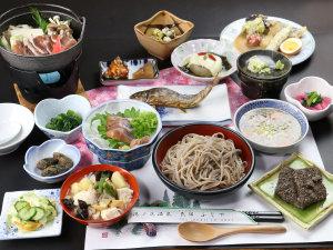 十割の手打ち蕎麦と新鮮岩魚のお刺身と塩焼きは素朴な田舎料理