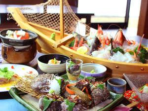 鮑のお刺身と本日の水揚げされた地魚の姿造りがメインの松コース
