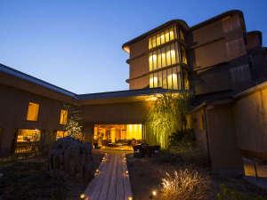 じゃらん厳選 憧れの贅沢ホテル・旅館に選ばれた全室温泉露天風呂付のラグジュアリーホテル