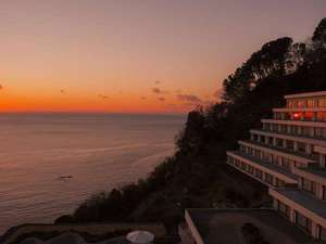 【外観】「日本一の夕陽」を誇る西伊豆町、10月中旬から3月中旬が見頃