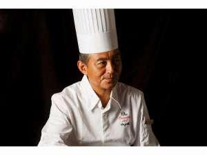 鈴木総料理長 素材一つ一つを吟味し、五感を刺激する料理をお届け