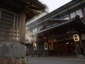 歴史と伝統に彩られた玄関