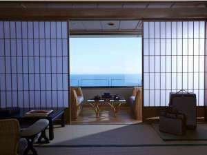 7階にあるメゾネット。眼下に広がる津軽海峡を望みながら特別な休日を