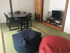 12畳タイプ…テーブル椅子でも、大きなクッションでも…和室ならではの自由なおくつろぎスタイル