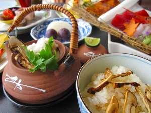 秋の味覚会席♪やっぱり土瓶蒸しと松茸ご飯ですよね!
