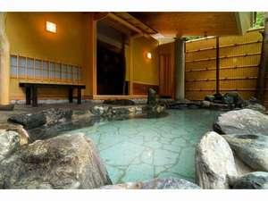 【露天風呂】『侘び湯』茶室をイメージした作りです。