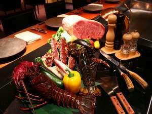 温泉宿では珍しい鉄板焼きを、モダンな「グリルダイニング」でお楽しみください。