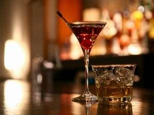 ゲストラウンジでは、ご滞在中の飲物がフリーとなっております。お好みのお酒をお楽しみください。