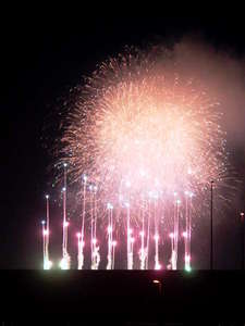 ベランダから撮影したTDLの花火です!!但しTDLの都合や悪天候により見えない場合もあります。