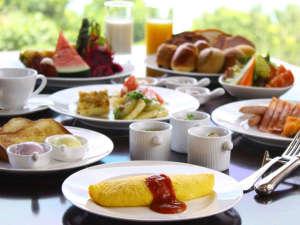 ほんのり甘い紅イモジャムやパインバターが大人気のベルデマールのご朝食
