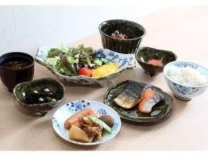 ■朝食(盛り付け例)