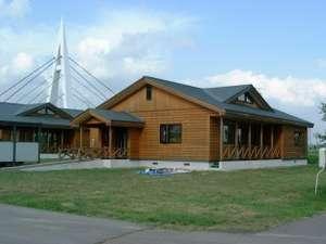 滝川温泉格安宿泊案内 滝川ふれ愛の里コテージ  平屋建てでバリアフリー設計となっております。