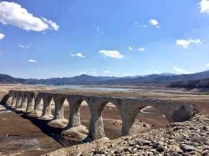 5月のタウシュベツ川橋梁。