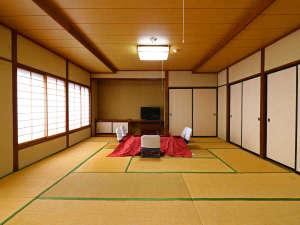 和室20畳です。何名でご利用いただいても同じ料金です!