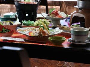 ■【お食事】旬の彩り溢れる景色を。食材へのこだわりを追求した上質な山の味